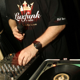 Luxfunk Party - DJ Berry