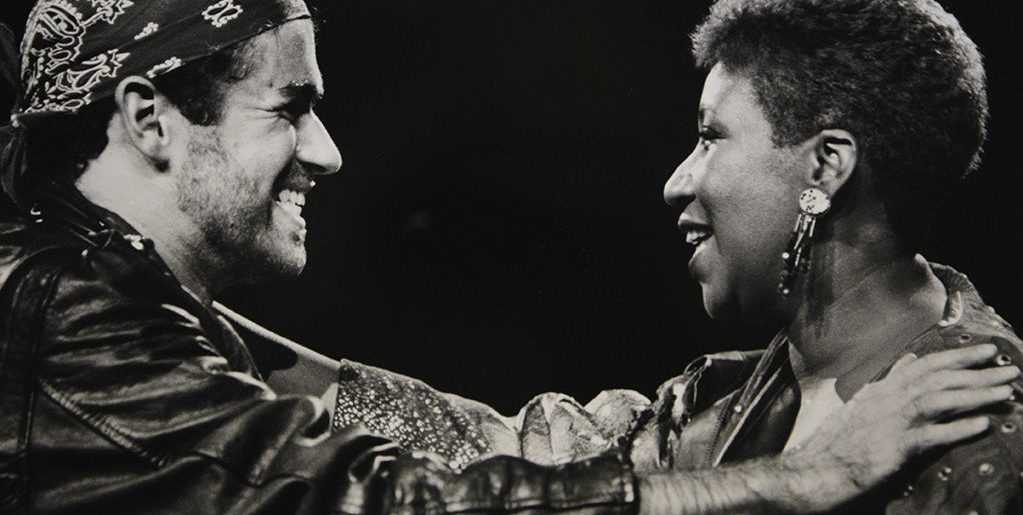 Február 7. – Aretha és George Michael tarol
