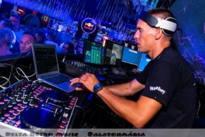 luxfunk-radio-funky-party_200807_delta retro-music-factory_005