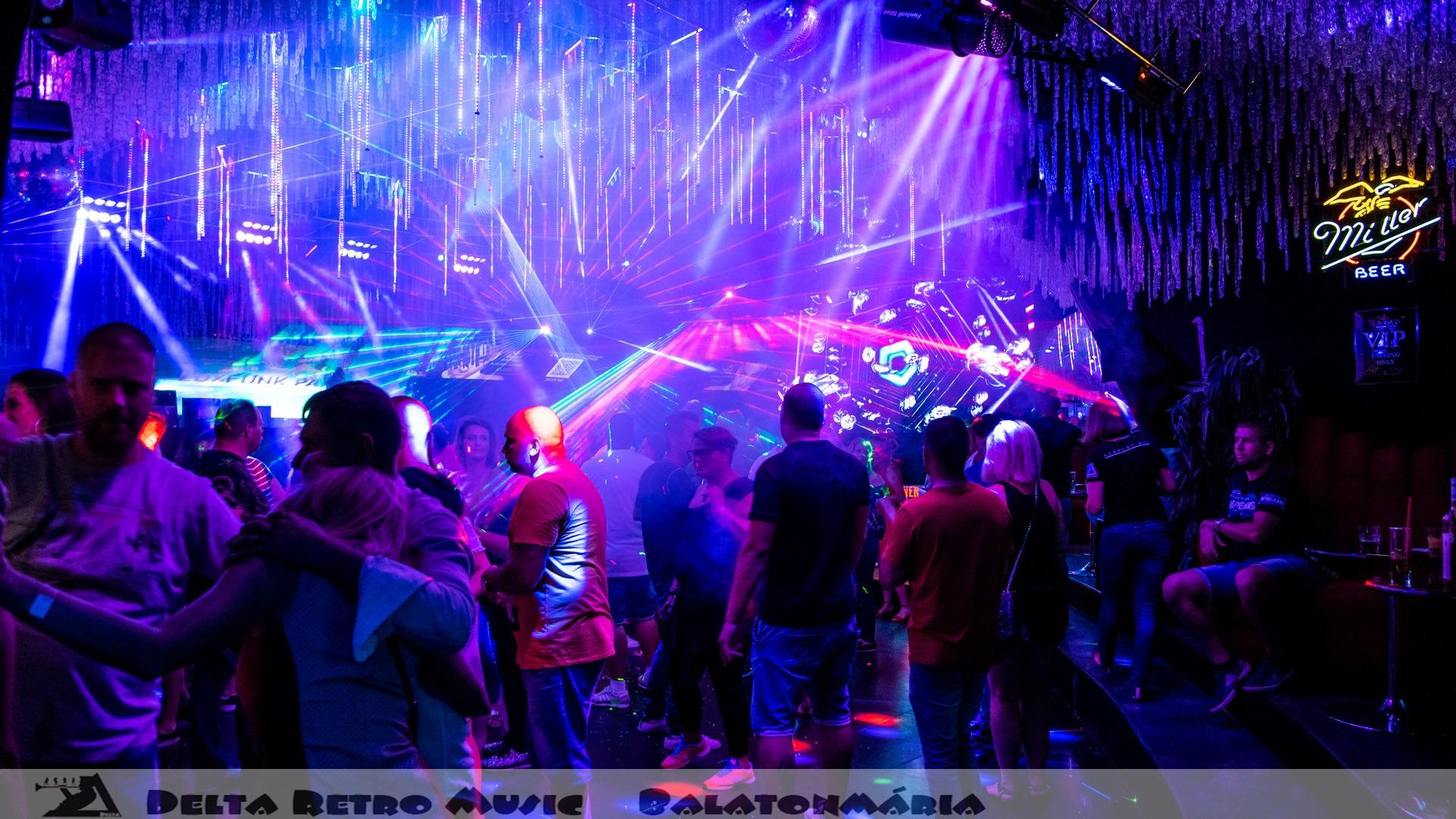luxfunk-radio-funky-party_200807_delta retro-music-factory_055