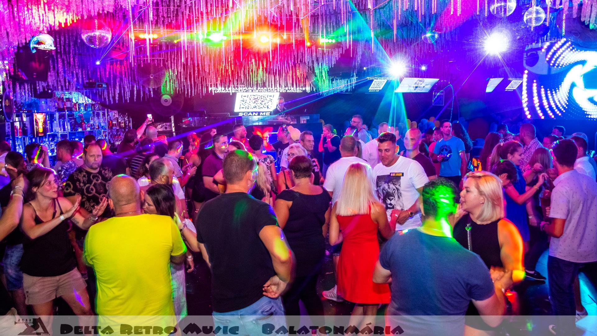 luxfunk-radio-funky-party_200807_delta retro-music-factory_058