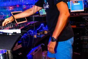 luxfunk-radio-funky-party_200807_delta retro-music-factory_061
