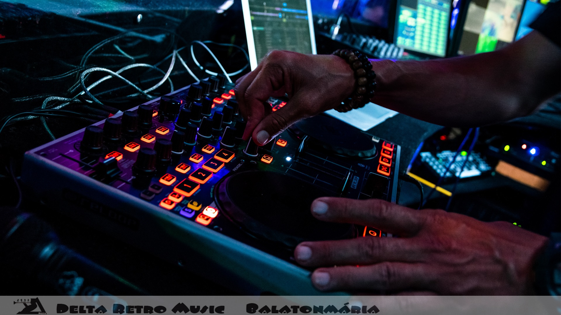 luxfunk-radio-funky-party_200807_delta retro-music-factory_062