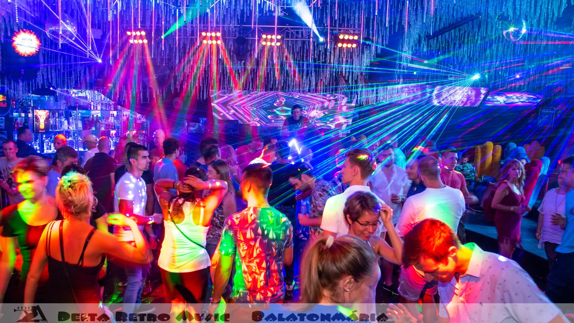 luxfunk-radio-funky-party_200807_delta retro-music-factory_069