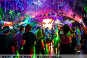 luxfunk-radio-funky-party_200807_delta retro-music-factory_075