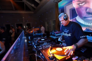 luxfunk-radio-funky-party-200912-symbol-budapest_41